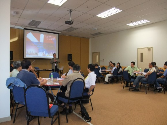 Pastor Chua Seng Lee explaining experiential learning