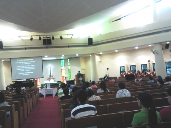 Rev Dr Lorna Khoo preaching