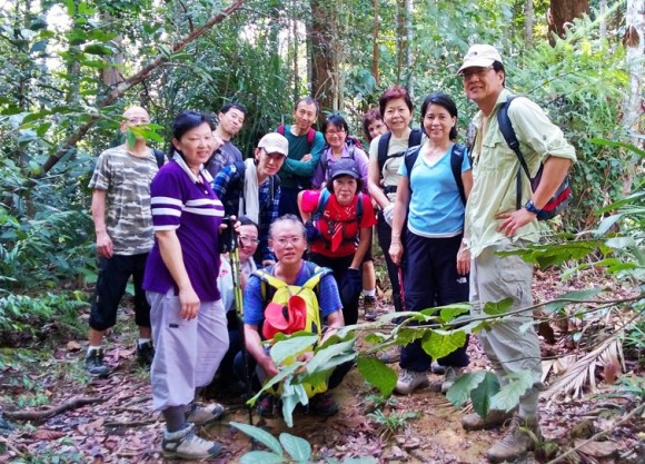 L to R: Vincent, Goh, Joy, Helen, Roger, Simon, Jeffrey, Christine, Linda (leader), Zoe,Jenny, Nellie, Eric