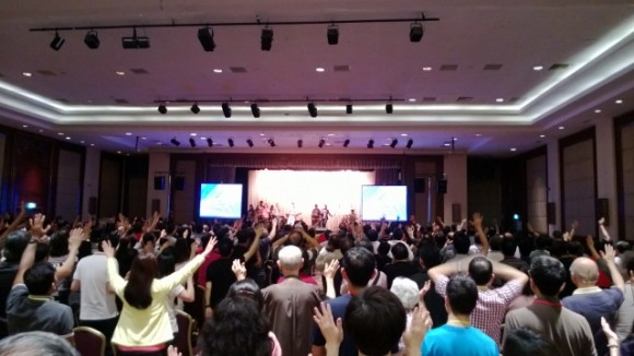 Worship preceded the sessions