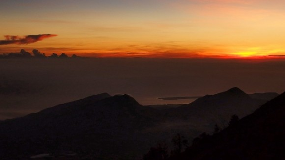 Rinjani sunrise arrests your attention