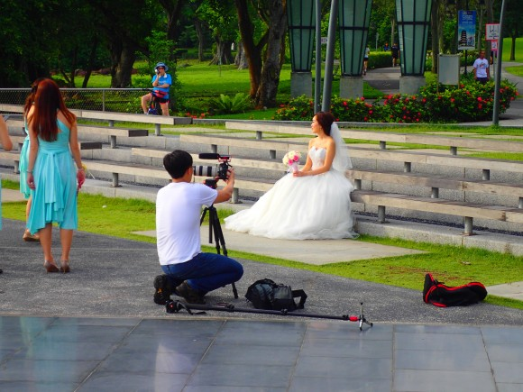 Wedding photograps at Jurong Lake