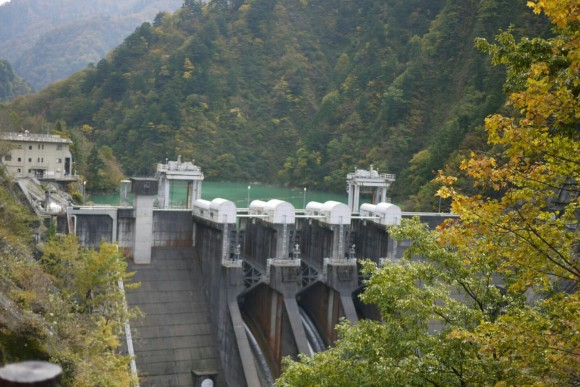 A small dam along the Kurobe River (Credits: Ruby)